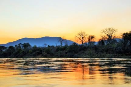 Sunset boat ride on the Zambezi (50)